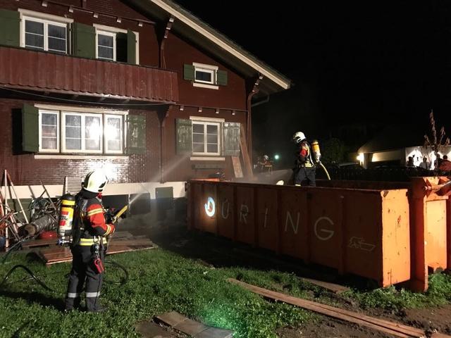 Brand Bauschuttmulde