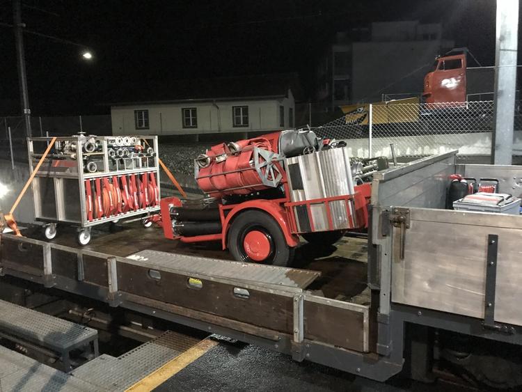 Material bereit auf Vorstellwagen