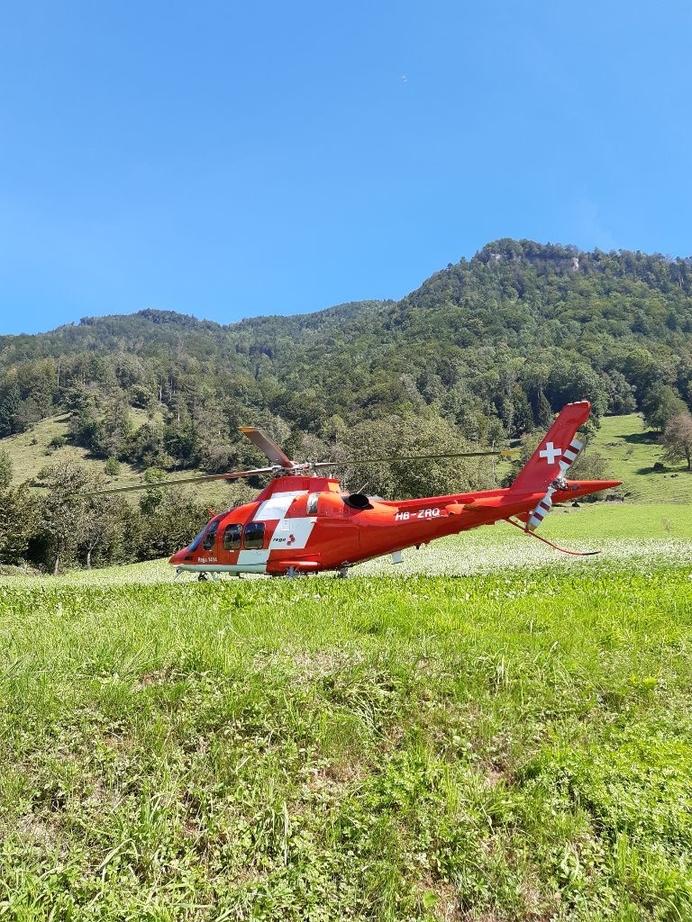 Rega Helikopter vor Ort